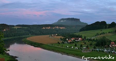 Der Lilienstein nach Sonnenuntergang