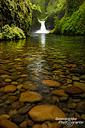 Bei einigen Wasserfällen wurde man ganz schön nass, eher harmlos war es hier bei den Punchbowl Falls.