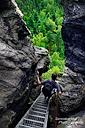 Wanderer unterwegs im Zittauer Gebirge - Thomas modelt mal wieder :-)