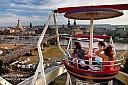Blick auf die Dampferparade am Dresdner Stadtfest 2012 aus den Gondeln des Riesenrads