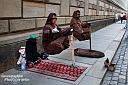 Unterhalb des Fürstenzugs saßen auch ein paar lustige Gestalten, wobei die saßen nicht... die schwebten... ;-)