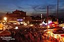 Bereits am Freitagabend war richtig viel los beim Dresdner Stadtfest am Theaterplatz