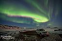 Schnappschuss von den Polarlichtern und unserem Auto am einsamen Parkplatz beim Namaskard im Nordosten Islands - kurz bevor uns die Trolle und Aliens mit Warpgeschwindigkeit entführt haben... ;-)