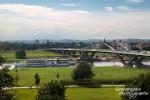 Architektonisch besonders sehenswert ist die die neue Waldschlösschenbrücke im Dresdner Elbtal auf keinen Fall.