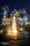 Farbenfrohe Beleuchtung am Berliner Dom beim Festival of Lights 2013