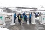 Gleich 6 Michelinmännchen bewachten heute ab ca. 9:30 Uhr den Eingang zum Haukadalur Geothermalgebiet. Zuerst befürchteten wir schon, dass uns mangels Bargeld der Zutritt verwehrt bleiben würde, aber zum Glück konnte man sogar direkt vor Ort mit Kreditkarte bezahlen!