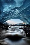 Dafür kann das was man durch den Sucher sieht, umso schöner sein. Das Eis im Inneren einer Eishöhle kann unglaubliche Farben und Formen aufweisen.