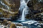 Beeindruckend auch die Anzahl an Eiszapfen rund um so manchen Wasserfall! Der Zauber war allerdings oft nur von kurzer Dauer, hier beim Gluggafoss z.B. war nur zwei Tage später bereits die ganze weiße Pracht dahin.