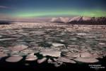 In Vik hatten wir fast ein Polarlichter-Abo, nur bei der Gletscherlagune Jökulsarlon wollten die Sonnenstürme nicht so recht. Ein gerade mal 15 Minuten sichtbarer, grüner Bogen in Horizontnähe war die Ausbeute von 4 Nächten im Hali Country Hotel.