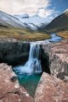 Ebenso geheimnisvoll ist die ein oder andere einsame Schlucht abseits der Ringstraße. Wasserfälle gibt es in Island fast an jeder Ecke - einige richtiggehend von Touristen überlaufen, andere wiederum herrlich versteckt und unbekannt. Dort kann man sich dann mit der Kamera noch so richtig austoben... :-)