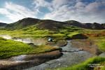 Und spät abends ein wenig Relaxen im dampfenden Flussbett...? So schön und warm könnte Island unserer Meinung nach gerne noch deutlich öfter sein! ;-)