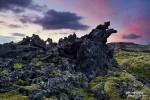 Traumhaft auch im Anschluss die Mitternachtssonne in den mossbedeckten Lavaflächen. Überall beim Eldhraun verstecken sich Trolle und kleine Monsterchen. Dort kann man - ähnlich wie in Little Finland im Südwesten der USA - seiner Fantasie wirklich freien Lauf lassen. :-)
