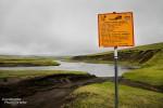 Manche Furt im Hochland war nicht so ohne, z.B. diese 1 m tiefe im südlichen Fjallabak, vor der uns die Bergrettung zum Glück gewarnt hatte. An der F233 ging es auch mit der Wattiefe des Landcruisers (75 cm) nicht weiter…