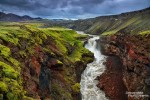 Oder das Wasser rauscht durch bunte Schluchten weiter, wie z.B. hier bei der Markarfljotsgljufur im Hochland.