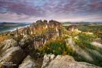 Schrammsteinaussicht in der Sächsischen Schweiz zum Sonnenaufgang