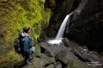 Schluchten standen diesen Sommer sowieso hoch im Kurs, hier die Stakksholtsgja in Thorsmörk mit Wasserfall und Besucher.