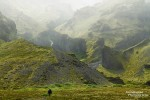 Auf der *Flucht in die Schlucht* wäre wohl ein passender Titel für die ein oder andere Wanderung in Island.