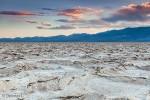Salzkrusten bei Badwater im Death Valley im April 2014