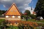 Und einen kurzen Stopp sollte man auch abseits der Umgebindestraße in Cunewalde machen. Im Ortzentrum gibt es dort einen netten Miniatur-Umgebindehaus-Park zu sehen.