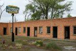 Bei einfacheren Motels schadet eine Inaugenscheinnahme vor Ort nicht. Wobei in dieser Ghost Town hat wahrscheinlich schon lange keiner mehr sein Haupt gebettet... ;-)