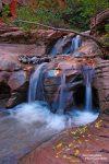 Auch an vermeintlich unscheinbaren Kaskaden des Kanarra Creek kann man nicht nur als Fotograf viel Zeit verbringen. Diese Stelle wird auch gerne als Wasserrustsche *missbraucht*...