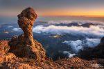 Auch Hoodoos findet man auf Gran Canaria, dieser steht hoch oben in den Bergen und leuchtete oberhalb der Nebelgrenze mit dem Abendrot und den im Tal liegenden Ortschaften um die Wette.