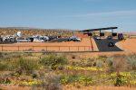 Die neue Einfahrt zum Horseshoe Bend - die Wüste rund um Page hat Ende April herrlich geblüht!