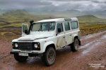 Mit einem Land Rover Defender ist man bestens für alle Wetterlagen gerüstet - hier stehen wir gerade an der F210 östlich des Laufafell und warten auf besseres Fotolicht.