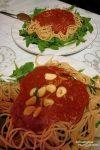 In kleinen Cabins oder in den Gemeinschaftsküchen der meist einfacheren Quartiere kommen bei uns nicht selten Spaghettis auf den Teller.
