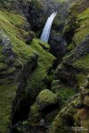 Im Anschluss habe ich - bei Nieselregen und Sturm - noch die Schlucht und die weiteren Wasserfälle oberhalb des Gluggafoss erkundet.