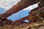Und hier nochmal der Arco del Coronadero, nur von der anderen Seite und mit Isa auf dem zweiten Felsbogen