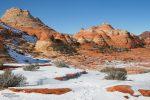 Wenn nicht zu viel Schnee liegt, bildet er einen wunderbaren Kontrast zum roten Sandstein.