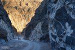 Zählt zu den spannendsten Routen im Death Valley: die Piste durch den engen Titus Canyon