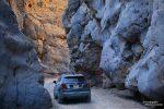Und am Rückweg, nur 1 km vor dem Parkplatz, hieß es wieder etwas Warten: ein Auto bei der engsten Stelle des Titus Canyon Slots musste auch diesmal sein. ;-)