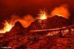 Die Lavafontänen - wie ein Feuerwerk - und ähnlich lang muss man die Fotos auch belichten.